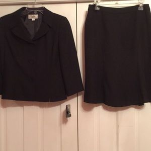 Le Suit skirt suit NWT